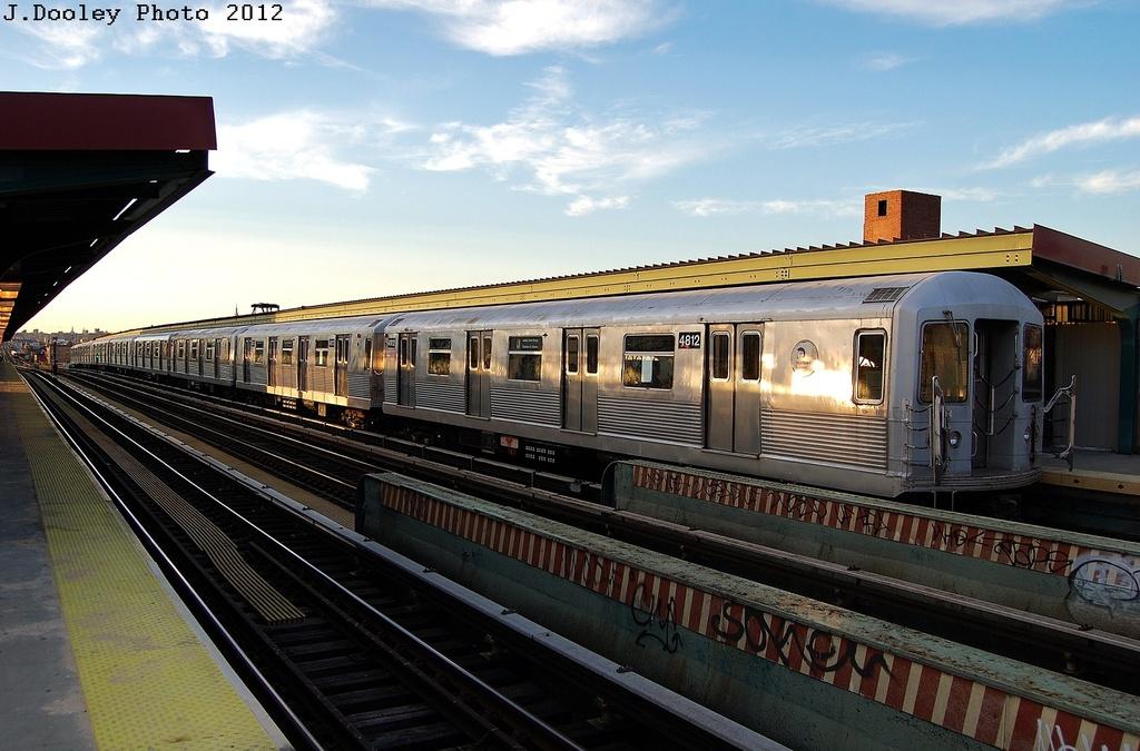 (315k, 1024x675)<br><b>Country:</b> United States<br><b>City:</b> New York<br><b>System:</b> New York City Transit<br><b>Line:</b> BMT Nassau Street/Jamaica Line<br><b>Location:</b> Chauncey Street <br><b>Route:</b> J<br><b>Car:</b> R-42 (St. Louis, 1969-1970)  4812 <br><b>Photo by:</b> John Dooley<br><b>Date:</b> 3/3/2012<br><b>Viewed (this week/total):</b> 0 / 1044