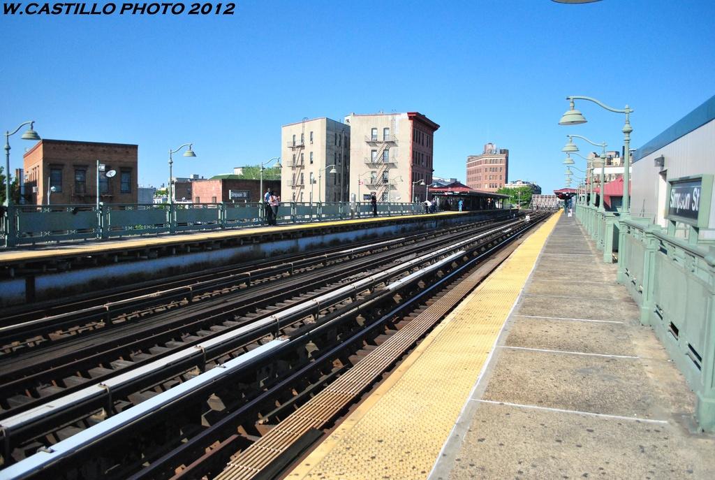 (334k, 1024x687)<br><b>Country:</b> United States<br><b>City:</b> New York<br><b>System:</b> New York City Transit<br><b>Line:</b> IRT White Plains Road Line<br><b>Location:</b> Simpson Street <br><b>Photo by:</b> Wilfredo Castillo<br><b>Date:</b> 5/19/2012<br><b>Viewed (this week/total):</b> 0 / 887