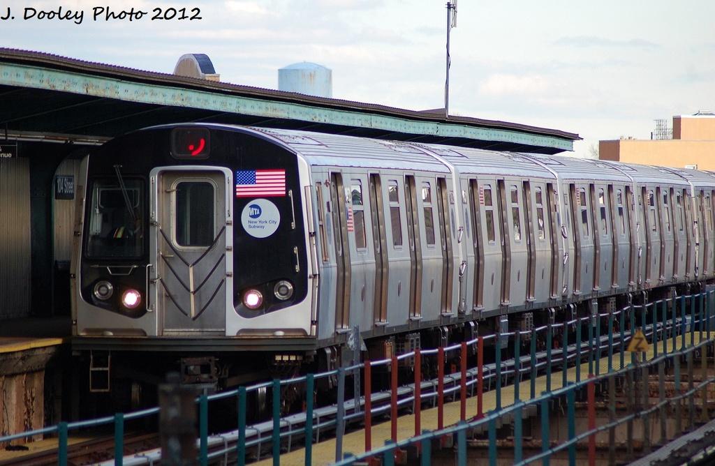 (307k, 1024x668)<br><b>Country:</b> United States<br><b>City:</b> New York<br><b>System:</b> New York City Transit<br><b>Line:</b> BMT Nassau Street/Jamaica Line<br><b>Location:</b> 102nd-104th Streets <br><b>Route:</b> J<br><b>Car:</b> R-160A-1 (Alstom, 2005-2008, 4 car sets)  8316 <br><b>Photo by:</b> John Dooley<br><b>Date:</b> 1/2/2012<br><b>Viewed (this week/total):</b> 5 / 1145