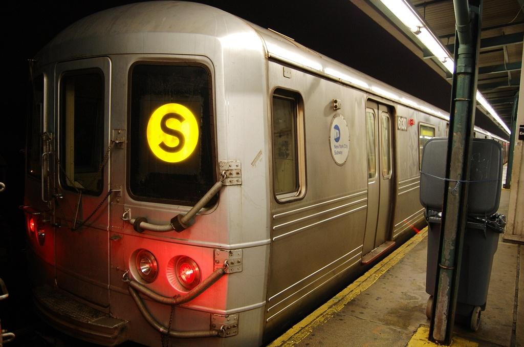 (283k, 1024x678)<br><b>Country:</b> United States<br><b>City:</b> New York<br><b>System:</b> New York City Transit<br><b>Line:</b> IND Fulton Street Line<br><b>Location:</b> Lefferts Boulevard <br><b>Route:</b> A<br><b>Car:</b> R-46 (Pullman-Standard, 1974-75) 6130 <br><b>Photo by:</b> John Dooley<br><b>Date:</b> 5/25/2012<br><b>Viewed (this week/total):</b> 0 / 730