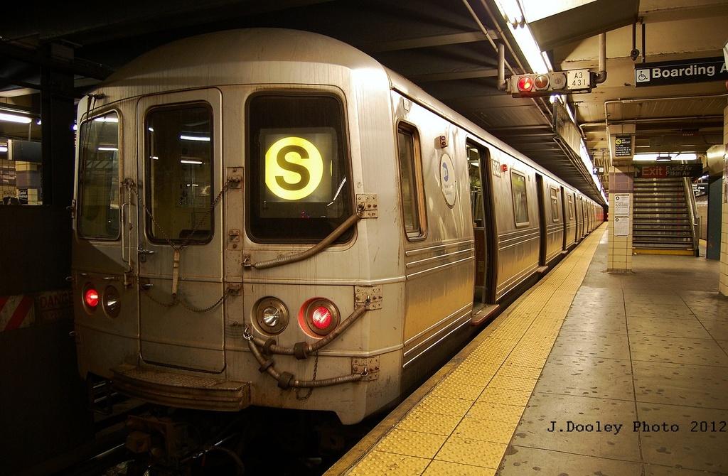 (328k, 1024x670)<br><b>Country:</b> United States<br><b>City:</b> New York<br><b>System:</b> New York City Transit<br><b>Line:</b> IND Fulton Street Line<br><b>Location:</b> Euclid Avenue <br><b>Route:</b> S<br><b>Car:</b> R-46 (Pullman-Standard, 1974-75) 6132 <br><b>Photo by:</b> John Dooley<br><b>Date:</b> 5/25/2012<br><b>Viewed (this week/total):</b> 2 / 820