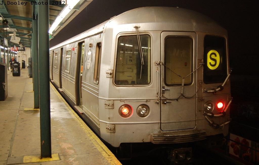 (268k, 1024x654)<br><b>Country:</b> United States<br><b>City:</b> New York<br><b>System:</b> New York City Transit<br><b>Line:</b> IND Fulton Street Line<br><b>Location:</b> Lefferts Boulevard <br><b>Route:</b> S<br><b>Car:</b> R-46 (Pullman-Standard, 1974-75) 6192 <br><b>Photo by:</b> John Dooley<br><b>Date:</b> 5/25/2012<br><b>Viewed (this week/total):</b> 2 / 583