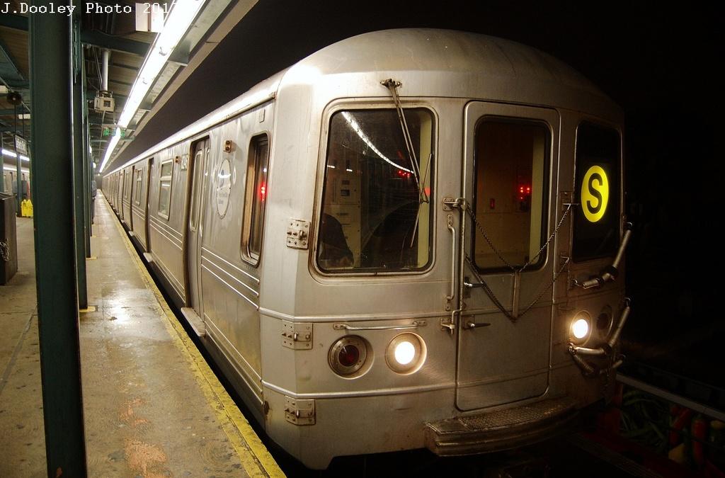 (289k, 1024x675)<br><b>Country:</b> United States<br><b>City:</b> New York<br><b>System:</b> New York City Transit<br><b>Line:</b> IND Fulton Street Line<br><b>Location:</b> Lefferts Boulevard <br><b>Route:</b> S<br><b>Car:</b> R-46 (Pullman-Standard, 1974-75) 6254 <br><b>Photo by:</b> John Dooley<br><b>Date:</b> 5/25/2012<br><b>Viewed (this week/total):</b> 1 / 738