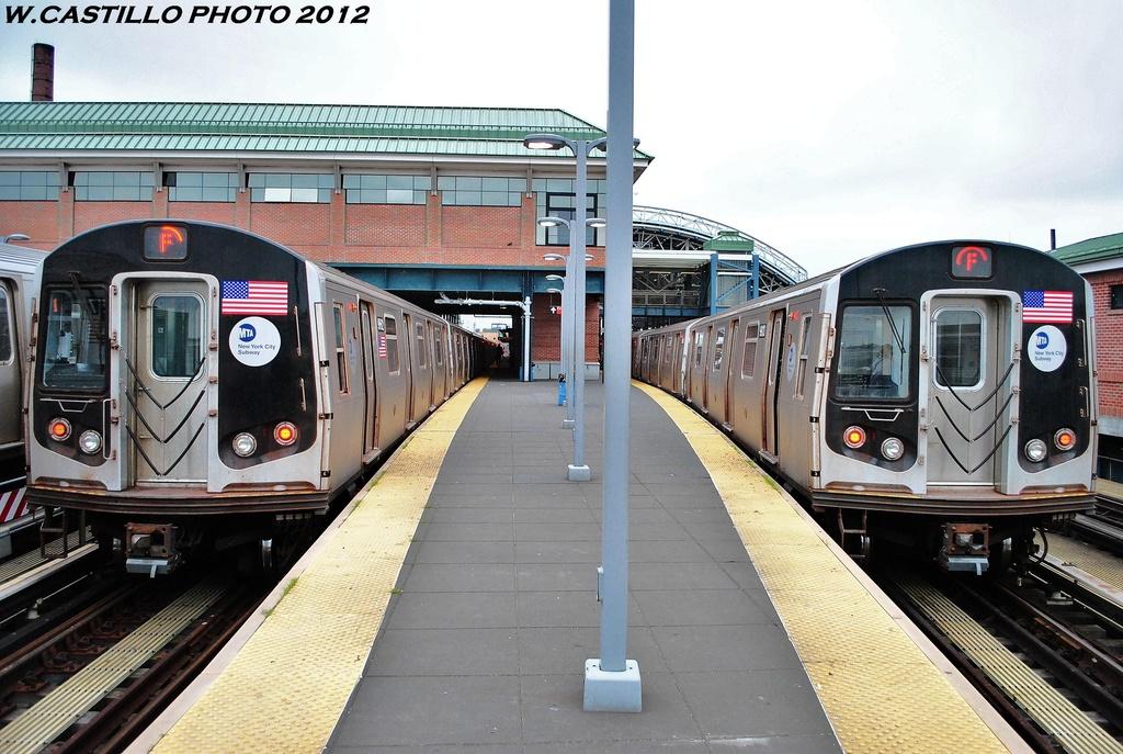 (335k, 1024x687)<br><b>Country:</b> United States<br><b>City:</b> New York<br><b>System:</b> New York City Transit<br><b>Location:</b> Coney Island/Stillwell Avenue<br><b>Route:</b> F<br><b>Car:</b> R-160A-1 (Alstom, 2005-2008, 4 car sets)  9662 <br><b>Photo by:</b> Wilfredo Castillo<br><b>Date:</b> 6/1/2012<br><b>Viewed (this week/total):</b> 0 / 1027