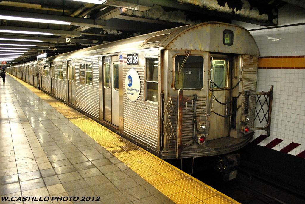 (307k, 1024x687)<br><b>Country:</b> United States<br><b>City:</b> New York<br><b>System:</b> New York City Transit<br><b>Line:</b> IND 8th Avenue Line<br><b>Location:</b> 14th Street <br><b>Route:</b> A<br><b>Car:</b> R-32 (Budd, 1964)  3929 <br><b>Photo by:</b> Wilfredo Castillo<br><b>Date:</b> 6/2012<br><b>Viewed (this week/total):</b> 2 / 710
