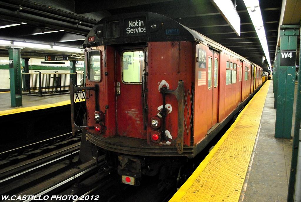 (283k, 1024x687)<br><b>Country:</b> United States<br><b>City:</b> New York<br><b>System:</b> New York City Transit<br><b>Line:</b> IND 8th Avenue Line<br><b>Location:</b> West 4th Street/Washington Square <br><b>Route:</b> Work Service<br><b>Car:</b> R-33 World's Fair (St. Louis, 1963-64) 9342 <br><b>Photo by:</b> Wilfredo Castillo<br><b>Date:</b> 6/6/2012<br><b>Viewed (this week/total):</b> 0 / 1008