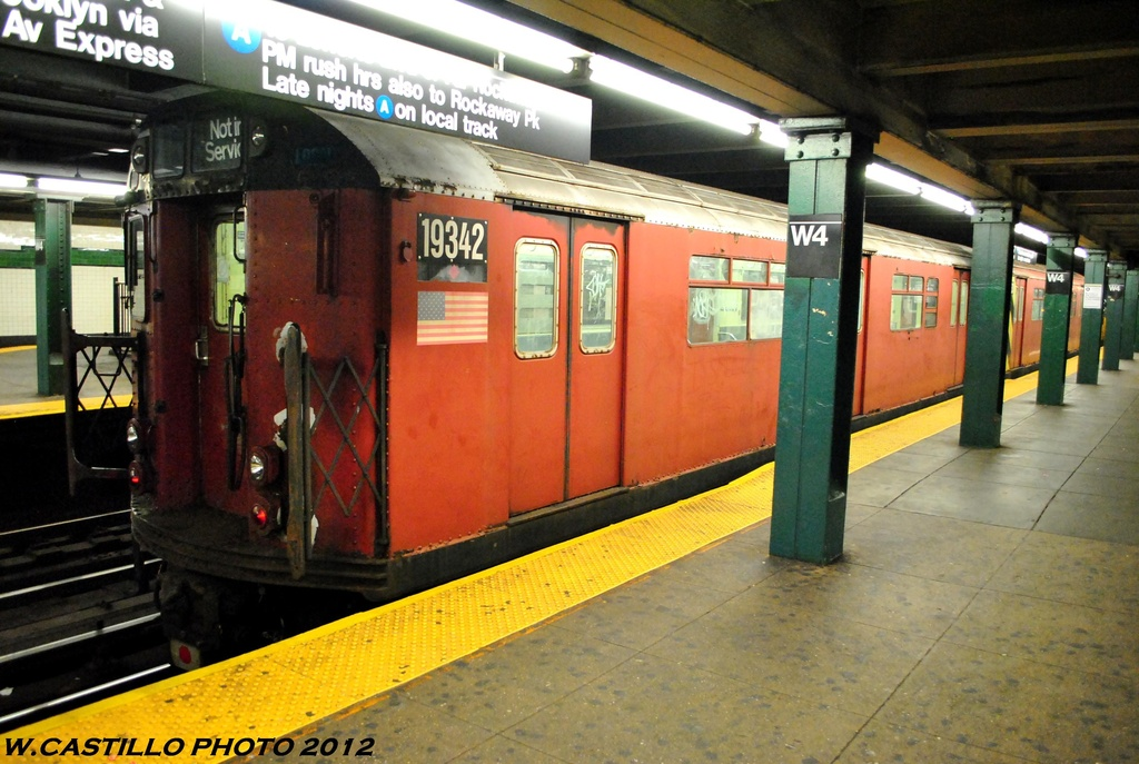 (275k, 1024x687)<br><b>Country:</b> United States<br><b>City:</b> New York<br><b>System:</b> New York City Transit<br><b>Line:</b> IND 8th Avenue Line<br><b>Location:</b> West 4th Street/Washington Square <br><b>Route:</b> Work Service<br><b>Car:</b> R-33 World's Fair (St. Louis, 1963-64) 9342 <br><b>Photo by:</b> Wilfredo Castillo<br><b>Date:</b> 6/6/2012<br><b>Viewed (this week/total):</b> 6 / 790