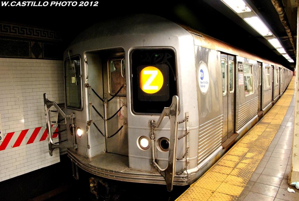 (260k, 1024x687)<br><b>Country:</b> United States<br><b>City:</b> New York<br><b>System:</b> New York City Transit<br><b>Line:</b> BMT Nassau Street/Jamaica Line<br><b>Location:</b> Canal Street <br><b>Route:</b> Z<br><b>Car:</b> R-42 (St. Louis, 1969-1970)  4836 <br><b>Photo by:</b> Wilfredo Castillo<br><b>Date:</b> 6/2012<br><b>Viewed (this week/total):</b> 0 / 1377