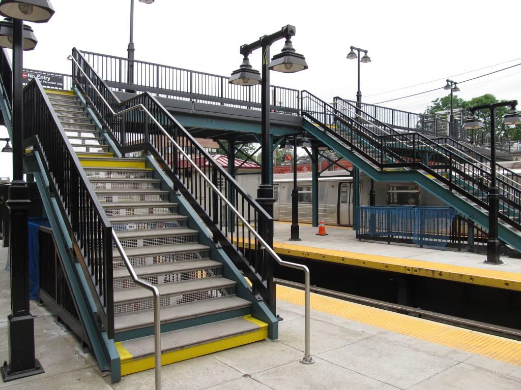 (145k, 1024x768)<br><b>Country:</b> United States<br><b>City:</b> New York<br><b>System:</b> New York City Transit<br><b>Line:</b> BMT West End Line<br><b>Location:</b> 9th Avenue <br><b>Photo by:</b> Robbie Rosenfeld<br><b>Date:</b> 6/11/2012<br><b>Viewed (this week/total):</b> 0 / 1110