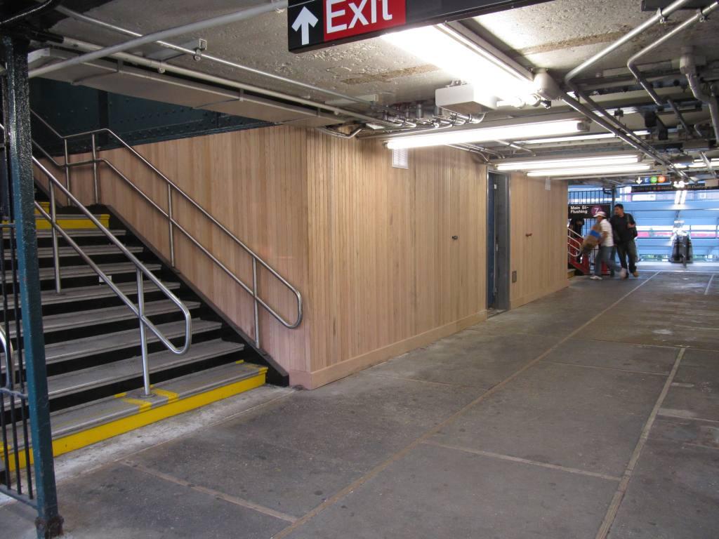 (113k, 1024x768)<br><b>Country:</b> United States<br><b>City:</b> New York<br><b>System:</b> New York City Transit<br><b>Line:</b> IRT Flushing Line<br><b>Location:</b> Court House Square/45th Road <br><b>Photo by:</b> Robbie Rosenfeld<br><b>Date:</b> 5/30/2012<br><b>Viewed (this week/total):</b> 0 / 1141
