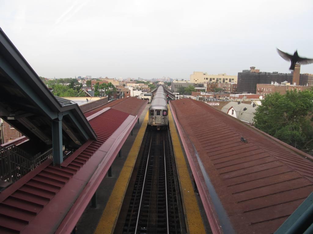 (89k, 1024x768)<br><b>Country:</b> United States<br><b>City:</b> New York<br><b>System:</b> New York City Transit<br><b>Line:</b> IRT Flushing Line<br><b>Location:</b> Junction Boulevard <br><b>Photo by:</b> Robbie Rosenfeld<br><b>Date:</b> 5/30/2012<br><b>Viewed (this week/total):</b> 1 / 1114