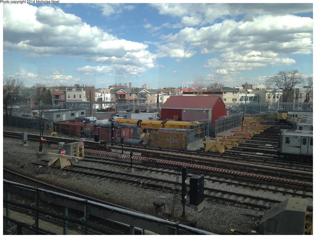 (325k, 1044x788)<br><b>Country:</b> United States<br><b>City:</b> New York<br><b>System:</b> New York City Transit<br><b>Location:</b> Unionport Yard<br><b>Photo by:</b> Nicholas Noel<br><b>Date:</b> 3/15/2014<br><b>Notes:</b> New railgrinder equipment at Unionport Yard<br><b>Viewed (this week/total):</b> 1 / 820