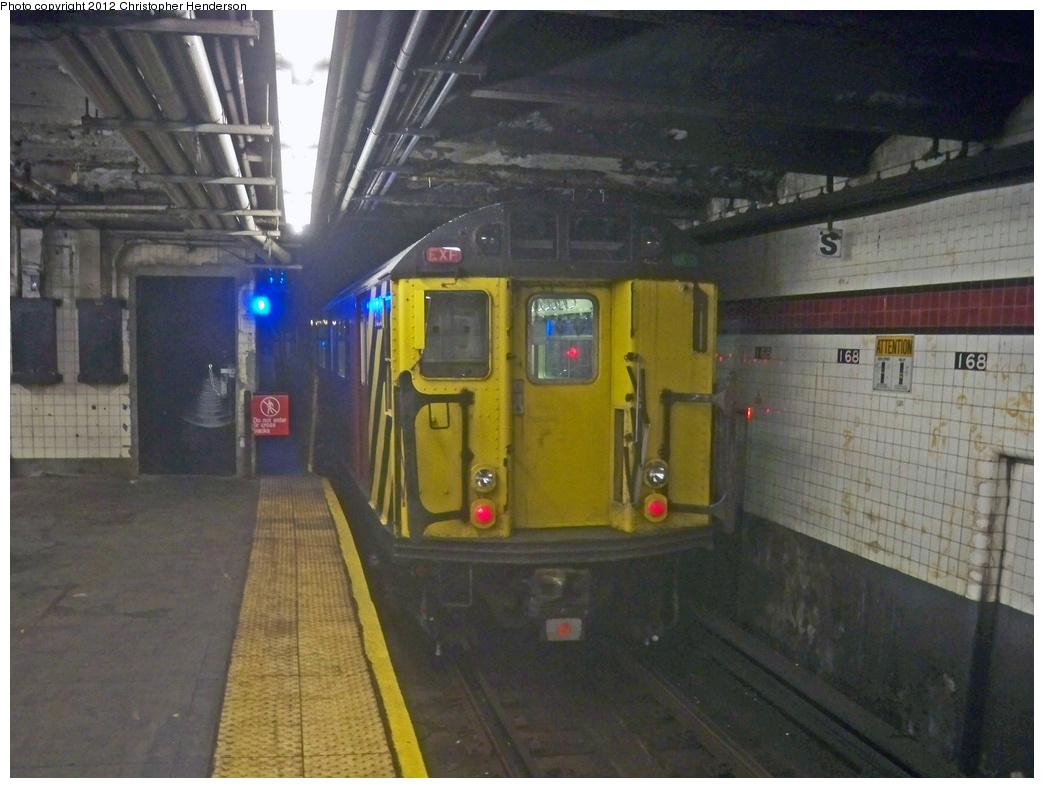 (344k, 1044x788)<br><b>Country:</b> United States<br><b>City:</b> New York<br><b>System:</b> New York City Transit<br><b>Line:</b> IND 8th Avenue Line<br><b>Location:</b> 168th Street <br><b>Route:</b> Work Service<br><b>Car:</b> R-33 World's Fair (St. Louis, 1963-64) 9333 <br><b>Photo by:</b> Christopher Henderson<br><b>Date:</b> 6/16/2010<br><b>Viewed (this week/total):</b> 3 / 1139