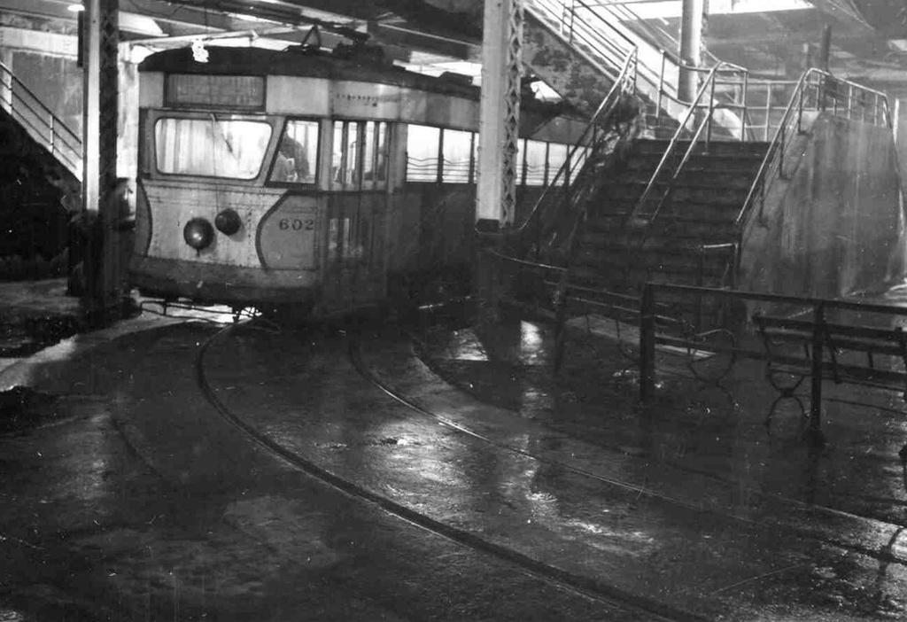 (208k, 1024x702)<br><b>Country:</b> United States<br><b>City:</b> New York<br><b>System:</b> Queensborough Bridge Railway<br><b>Location:</b> Manhattan Terminal <br><b>Car:</b>  602 <br><b>Collection of:</b> Frank Pfuhler<br><b>Viewed (this week/total):</b> 3 / 713