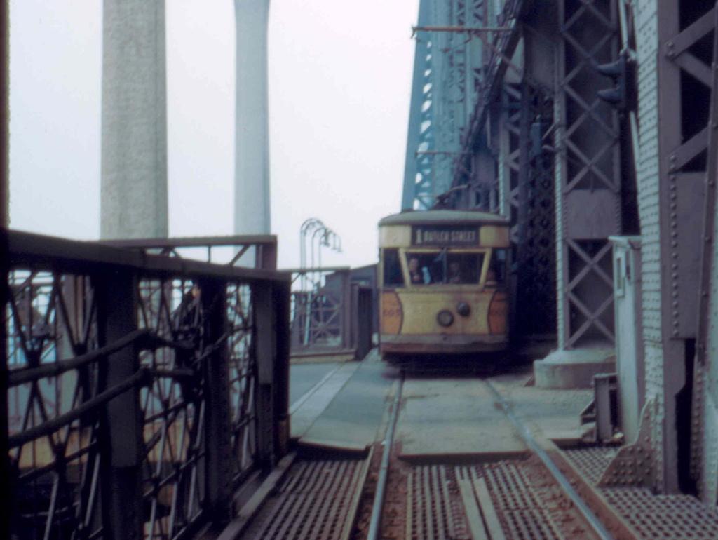 (211k, 1024x770)<br><b>Country:</b> United States<br><b>City:</b> New York<br><b>System:</b> Queensborough Bridge Railway<br><b>Location:</b> Queensborough Bridge <br><b>Car:</b>  605 <br><b>Collection of:</b> Frank Pfuhler<br><b>Date:</b> 2/23/1957<br><b>Notes:</b> Welfare Island Station<br><b>Viewed (this week/total):</b> 0 / 601