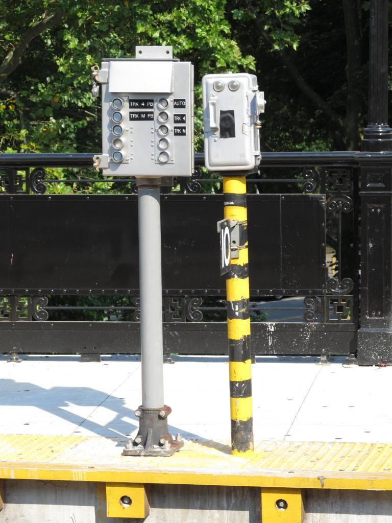 (118k, 768x1024)<br><b>Country:</b> United States<br><b>City:</b> New York<br><b>System:</b> New York City Transit<br><b>Line:</b> IRT West Side Line<br><b>Location:</b> Dyckman Street<br><b>Photo by:</b> Robbie Rosenfeld<br><b>Date:</b> 7/11/2012<br><b>Notes:</b> Local/express selector.<br><b>Viewed (this week/total):</b> 1 / 1382