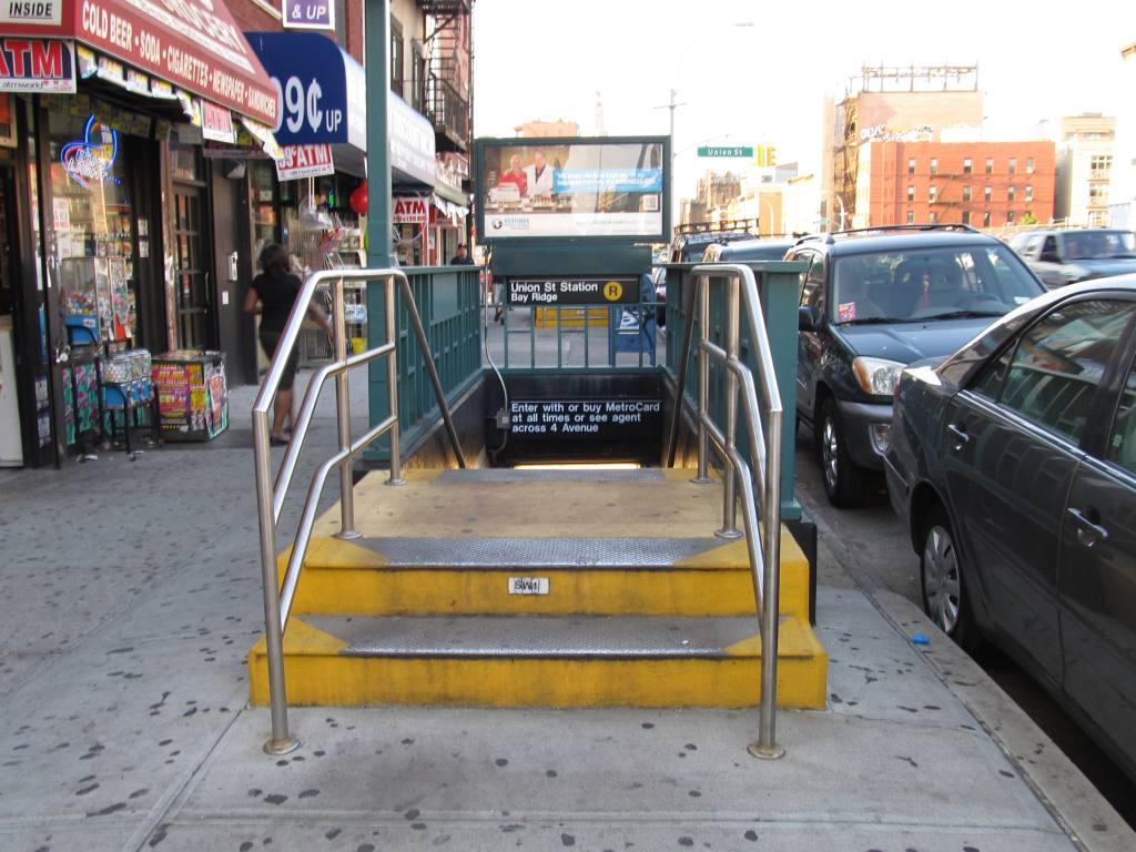 (131k, 1024x768)<br><b>Country:</b> United States<br><b>City:</b> New York<br><b>System:</b> New York City Transit<br><b>Line:</b> BMT 4th Avenue<br><b>Location:</b> Union Street <br><b>Photo by:</b> Robbie Rosenfeld<br><b>Date:</b> 7/9/2012<br><b>Notes:</b> Station entrance.<br><b>Viewed (this week/total):</b> 0 / 1531