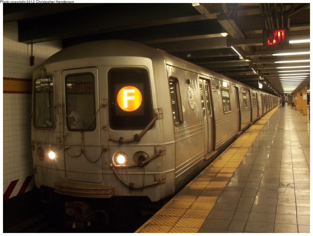 (291k, 1044x788)<br><b>Country:</b> United States<br><b>City:</b> New York<br><b>System:</b> New York City Transit<br><b>Line:</b> IND 8th Avenue Line<br><b>Location:</b> 14th Street <br><b>Route:</b> F reroute<br><b>Car:</b> R-46 (Pullman-Standard, 1974-75) 5558 <br><b>Photo by:</b> Christopher Henderson<br><b>Date:</b> 5/18/2012<br><b>Viewed (this week/total):</b> 0 / 783