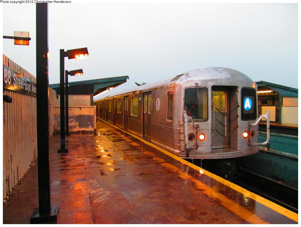 (312k, 1044x788)<br><b>Country:</b> United States<br><b>City:</b> New York<br><b>System:</b> New York City Transit<br><b>Line:</b> IND Fulton Street Line<br><b>Location:</b> 88th Street/Boyd Avenue <br><b>Route:</b> A<br><b>Car:</b> R-42 (St. Louis, 1969-1970)  4827 <br><b>Photo by:</b> Christopher Henderson<br><b>Date:</b> 7/18/2012<br><b>Viewed (this week/total):</b> 0 / 2068