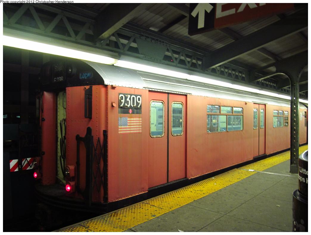 (283k, 1044x788)<br><b>Country:</b> United States<br><b>City:</b> New York<br><b>System:</b> New York City Transit<br><b>Line:</b> IRT Flushing Line<br><b>Location:</b> Queensborough Plaza <br><b>Route:</b> Work Service<br><b>Car:</b> R-33 World's Fair (St. Louis, 1963-64) 9309 <br><b>Photo by:</b> Christopher Henderson<br><b>Date:</b> 7/18/2012<br><b>Viewed (this week/total):</b> 10 / 1111