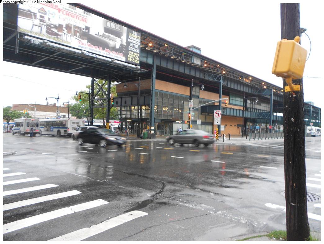 (373k, 1044x788)<br><b>Country:</b> United States<br><b>City:</b> New York<br><b>System:</b> New York City Transit<br><b>Line:</b> IRT White Plains Road Line<br><b>Location:</b> Gun Hill Road <br><b>Photo by:</b> Nicholas Noel<br><b>Date:</b> 7/20/2012<br><b>Viewed (this week/total):</b> 1 / 1928