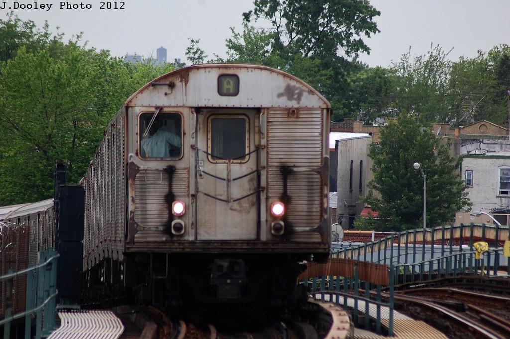 (351k, 1024x680)<br><b>Country:</b> United States<br><b>City:</b> New York<br><b>System:</b> New York City Transit<br><b>Line:</b> IND Fulton Street Line<br><b>Location:</b> 80th Street/Hudson Street <br><b>Route:</b> A<br><b>Car:</b> R-32 (Budd, 1964)  3401 <br><b>Photo by:</b> John Dooley<br><b>Date:</b> 5/30/2012<br><b>Viewed (this week/total):</b> 3 / 921