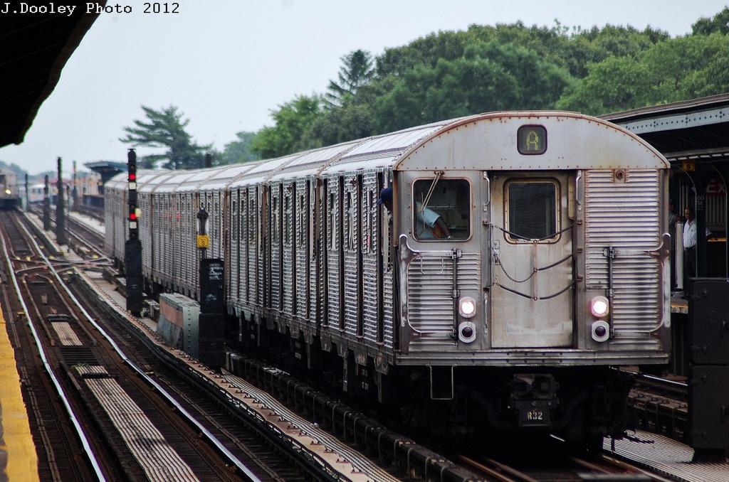 (348k, 1024x678)<br><b>Country:</b> United States<br><b>City:</b> New York<br><b>System:</b> New York City Transit<br><b>Line:</b> IND Fulton Street Line<br><b>Location:</b> 80th Street/Hudson Street <br><b>Route:</b> S<br><b>Car:</b> R-32 (Budd, 1964)   <br><b>Photo by:</b> John Dooley<br><b>Date:</b> 5/30/2012<br><b>Viewed (this week/total):</b> 0 / 1082