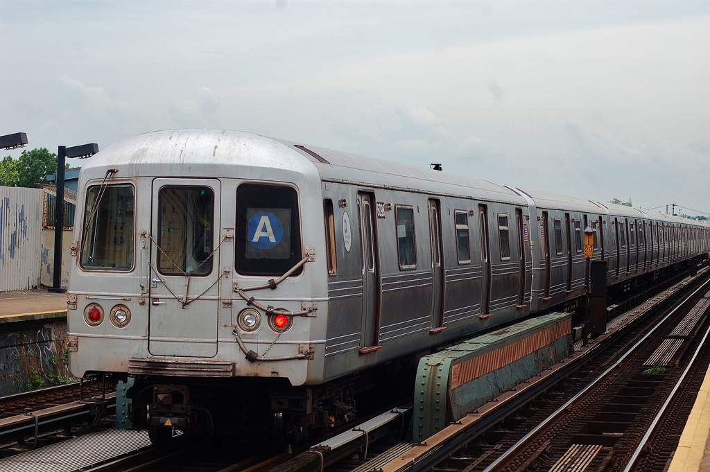 (293k, 1024x681)<br><b>Country:</b> United States<br><b>City:</b> New York<br><b>System:</b> New York City Transit<br><b>Line:</b> IND Fulton Street Line<br><b>Location:</b> 80th Street/Hudson Street <br><b>Route:</b> A<br><b>Car:</b> R-46 (Pullman-Standard, 1974-75) 6098 <br><b>Photo by:</b> John Dooley<br><b>Date:</b> 5/30/2012<br><b>Viewed (this week/total):</b> 0 / 696