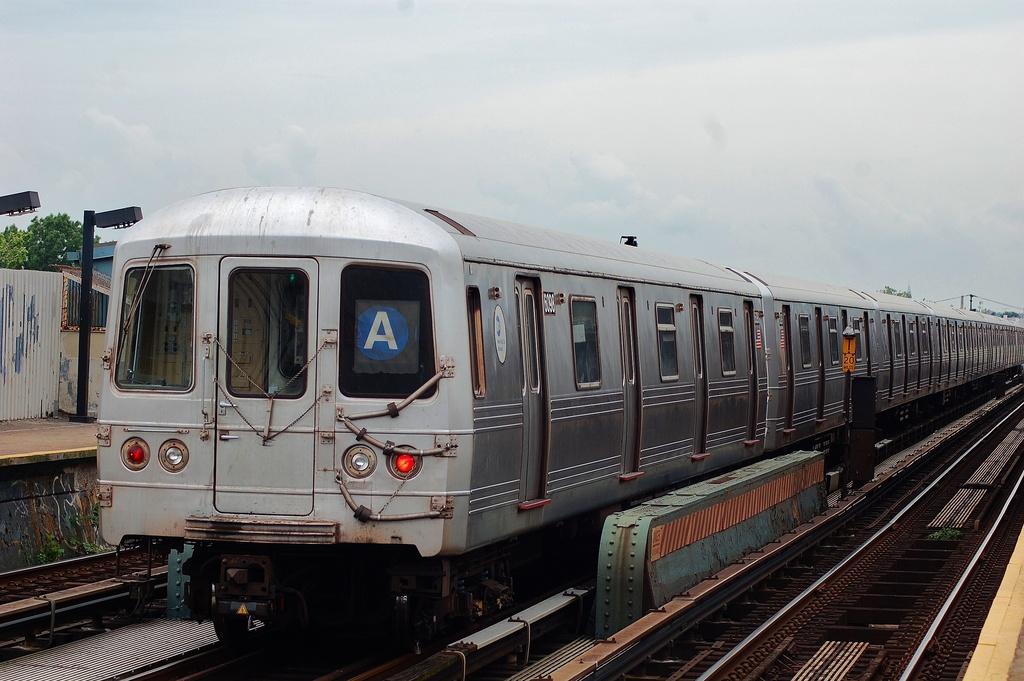 (293k, 1024x681)<br><b>Country:</b> United States<br><b>City:</b> New York<br><b>System:</b> New York City Transit<br><b>Line:</b> IND Fulton Street Line<br><b>Location:</b> 80th Street/Hudson Street <br><b>Route:</b> A<br><b>Car:</b> R-46 (Pullman-Standard, 1974-75) 6098 <br><b>Photo by:</b> John Dooley<br><b>Date:</b> 5/30/2012<br><b>Viewed (this week/total):</b> 2 / 814