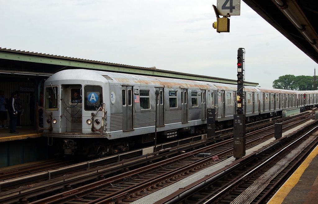 (323k, 1024x660)<br><b>Country:</b> United States<br><b>City:</b> New York<br><b>System:</b> New York City Transit<br><b>Line:</b> IND Fulton Street Line<br><b>Location:</b> Rockaway Boulevard <br><b>Route:</b> A<br><b>Car:</b> R-42 (St. Louis, 1969-1970)  4829 <br><b>Photo by:</b> John Dooley<br><b>Date:</b> 5/30/2012<br><b>Viewed (this week/total):</b> 2 / 773