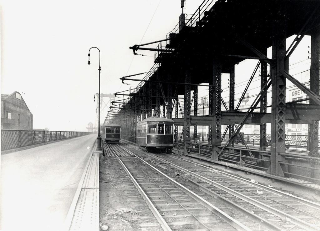 (255k, 1024x739)<br><b>Country:</b> United States<br><b>City:</b> New York<br><b>System:</b> New York City Transit<br><b>Line:</b> BMT Nassau Street/Jamaica Line<br><b>Location:</b> Williamsburg Bridge<br><b>Photo by:</b> Ed Watson/Arthur Lonto Collection<br><b>Collection of:</b> Frank Pfuhler<br><b>Date:</b> 1906<br><b>Viewed (this week/total):</b> 3 / 935