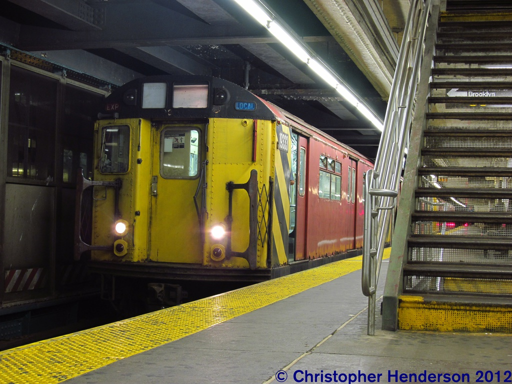 (310k, 1024x768)<br><b>Country:</b> United States<br><b>City:</b> New York<br><b>System:</b> New York City Transit<br><b>Line:</b> IRT Flushing Line<br><b>Location:</b> Queensborough Plaza <br><b>Route:</b> Work Service<br><b>Car:</b> R-33 World's Fair (St. Louis, 1963-64) 9333 <br><b>Photo by:</b> Christopher Henderson<br><b>Date:</b> 7/27/2012<br><b>Viewed (this week/total):</b> 0 / 992