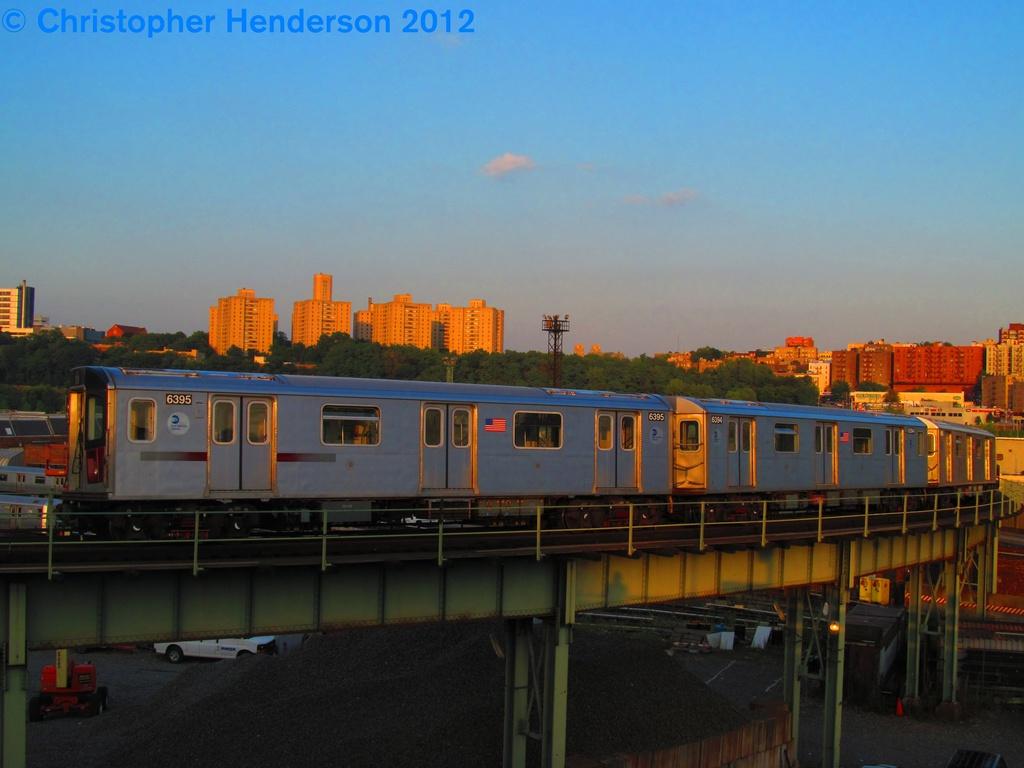 (221k, 1024x768)<br><b>Country:</b> United States<br><b>City:</b> New York<br><b>System:</b> New York City Transit<br><b>Line:</b> IRT West Side Line<br><b>Location:</b> 207th Street <br><b>Car:</b> R-142 (Primary Order, Bombardier, 1999-2002)  6395 <br><b>Photo by:</b> Christopher Henderson<br><b>Date:</b> 8/2/2012<br><b>Viewed (this week/total):</b> 2 / 2093