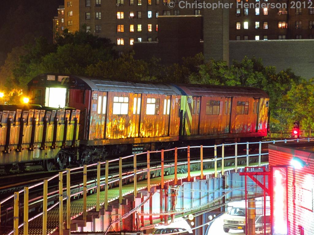 (375k, 1024x768)<br><b>Country:</b> United States<br><b>City:</b> New York<br><b>System:</b> New York City Transit<br><b>Line:</b> IRT West Side Line<br><b>Location:</b> 207th Street <br><b>Route:</b> Work Service<br><b>Car:</b> R-33 World's Fair (St. Louis, 1963-64) 9319 <br><b>Photo by:</b> Christopher Henderson<br><b>Date:</b> 8/4/2012<br><b>Viewed (this week/total):</b> 0 / 1122