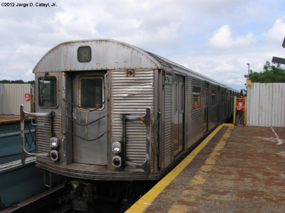 (160k, 1000x750)<br><b>Country:</b> United States<br><b>City:</b> New York<br><b>System:</b> New York City Transit<br><b>Line:</b> IND Fulton Street Line<br><b>Location:</b> 88th Street/Boyd Avenue <br><b>Route:</b> A<br><b>Car:</b> R-32 (Budd, 1964)  3718 <br><b>Photo by:</b> Jorge Catayi<br><b>Date:</b> 7/29/2012<br><b>Viewed (this week/total):</b> 0 / 734