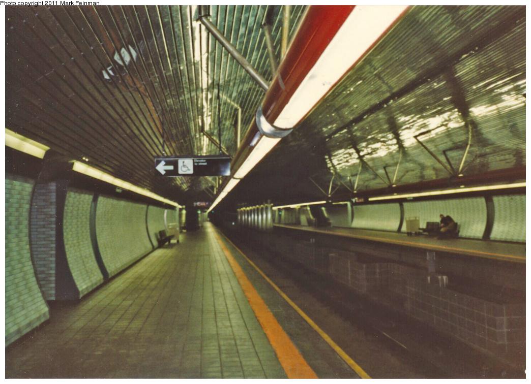 (339k, 1044x756)<br><b>Country:</b> United States<br><b>City:</b> New York<br><b>System:</b> New York City Transit<br><b>Line:</b> IND 63rd Street<br><b>Location:</b> Roosevelt Island <br><b>Photo by:</b> Mark S. Feinman<br><b>Date:</b> 1989<br><b>Viewed (this week/total):</b> 3 / 1149