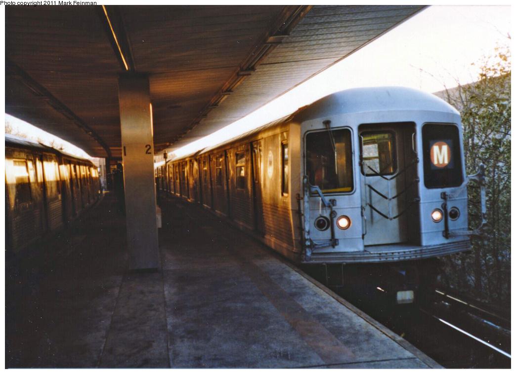 (305k, 1044x758)<br><b>Country:</b> United States<br><b>City:</b> New York<br><b>System:</b> New York City Transit<br><b>Line:</b> BMT Myrtle Avenue Line<br><b>Location:</b> Metropolitan Avenue <br><b>Route:</b> M<br><b>Car:</b> R-42 (St. Louis, 1969-1970)   <br><b>Photo by:</b> Mark S. Feinman<br><b>Date:</b> 1989<br><b>Viewed (this week/total):</b> 0 / 1751