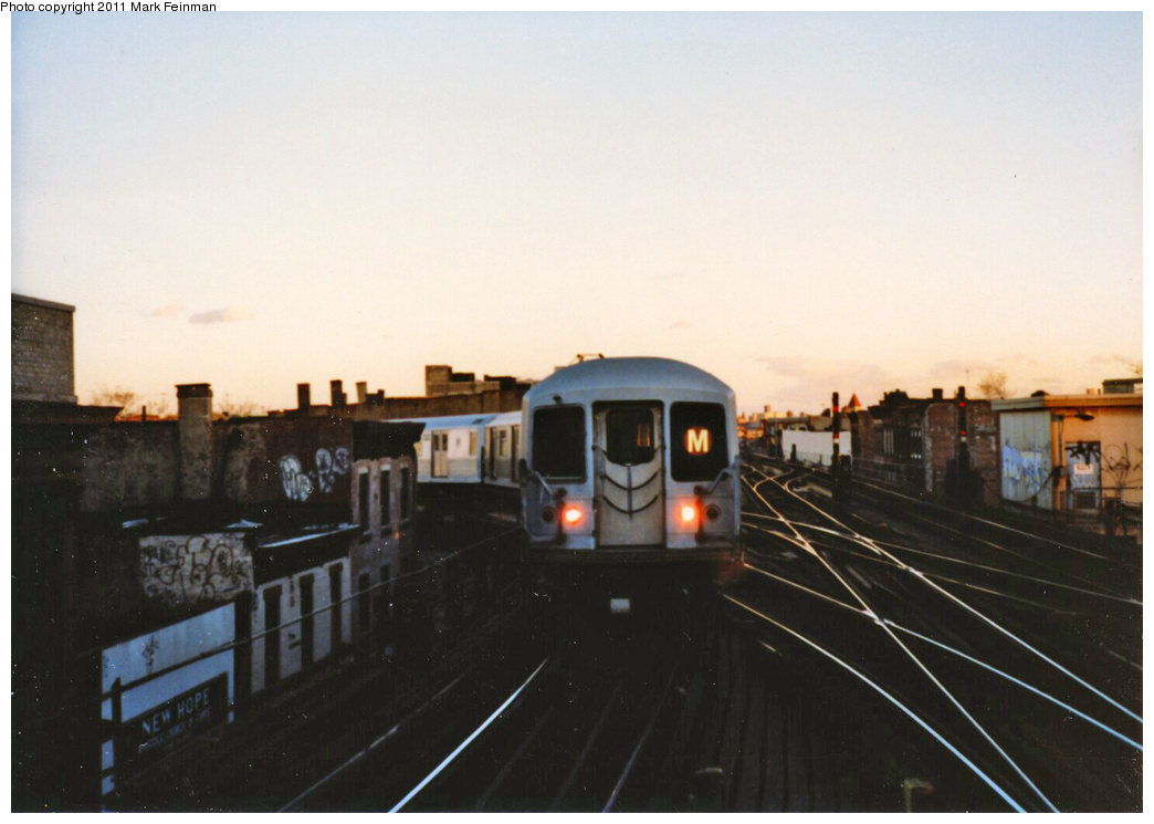 (244k, 1044x745)<br><b>Country:</b> United States<br><b>City:</b> New York<br><b>System:</b> New York City Transit<br><b>Line:</b> BMT Nassau Street/Jamaica Line<br><b>Location:</b> Myrtle Avenue <br><b>Route:</b> M<br><b>Car:</b> R-42 (St. Louis, 1969-1970)   <br><b>Photo by:</b> Mark S. Feinman<br><b>Date:</b> 1989<br><b>Viewed (this week/total):</b> 1 / 1308