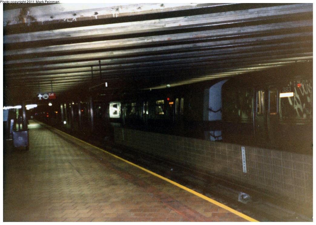 (326k, 1044x743)<br><b>Country:</b> United States<br><b>City:</b> New York<br><b>System:</b> New York City Transit<br><b>Line:</b> IND 63rd Street<br><b>Location:</b> 21st Street/Queensbridge <br><b>Route:</b> Q<br><b>Car:</b> R-46 (Pullman-Standard, 1974-75)  <br><b>Photo by:</b> Mark S. Feinman<br><b>Date:</b> 1989<br><b>Viewed (this week/total):</b> 1 / 1929