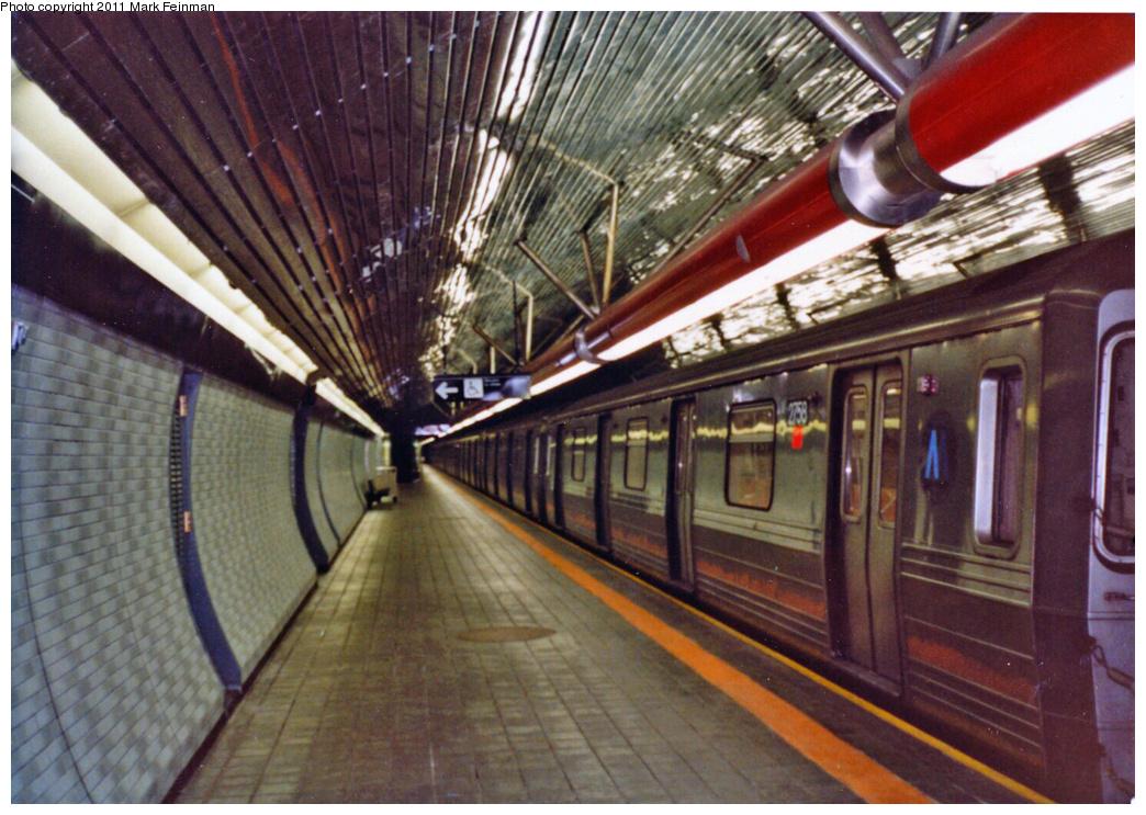 (393k, 1044x743)<br><b>Country:</b> United States<br><b>City:</b> New York<br><b>System:</b> New York City Transit<br><b>Line:</b> IND 63rd Street<br><b>Location:</b> Roosevelt Island <br><b>Route:</b> Q<br><b>Car:</b> R-68 (Westinghouse-Amrail, 1986-1988)  2758 <br><b>Photo by:</b> Mark S. Feinman<br><b>Date:</b> 1989<br><b>Viewed (this week/total):</b> 3 / 1912