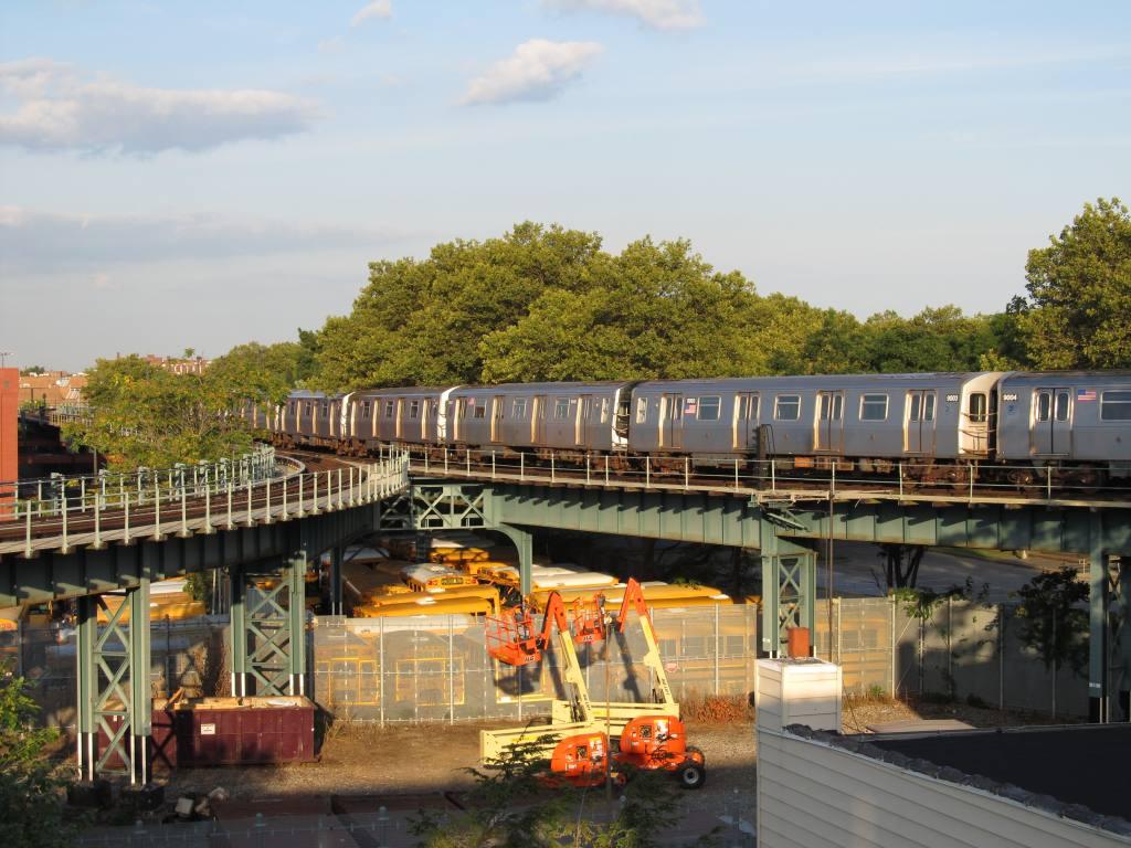 (131k, 1024x768)<br><b>Country:</b> United States<br><b>City:</b> New York<br><b>System:</b> New York City Transit<br><b>Line:</b> BMT West End Line<br><b>Location:</b> Bay 50th Street <br><b>Photo by:</b> Robbie Rosenfeld<br><b>Date:</b> 8/13/2012<br><b>Viewed (this week/total):</b> 0 / 1295