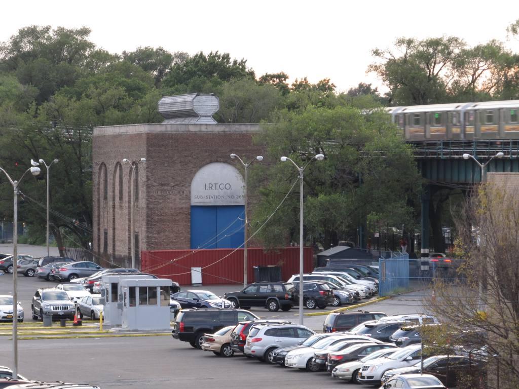 (155k, 1024x768)<br><b>Country:</b> United States<br><b>City:</b> New York<br><b>System:</b> New York City Transit<br><b>Line:</b> IRT Flushing Line<br><b>Location:</b> Willets Point/Mets (fmr. Shea Stadium) <br><b>Photo by:</b> Robbie Rosenfeld<br><b>Date:</b> 8/7/2012<br><b>Notes:</b> Substation no. 28<br><b>Viewed (this week/total):</b> 0 / 742