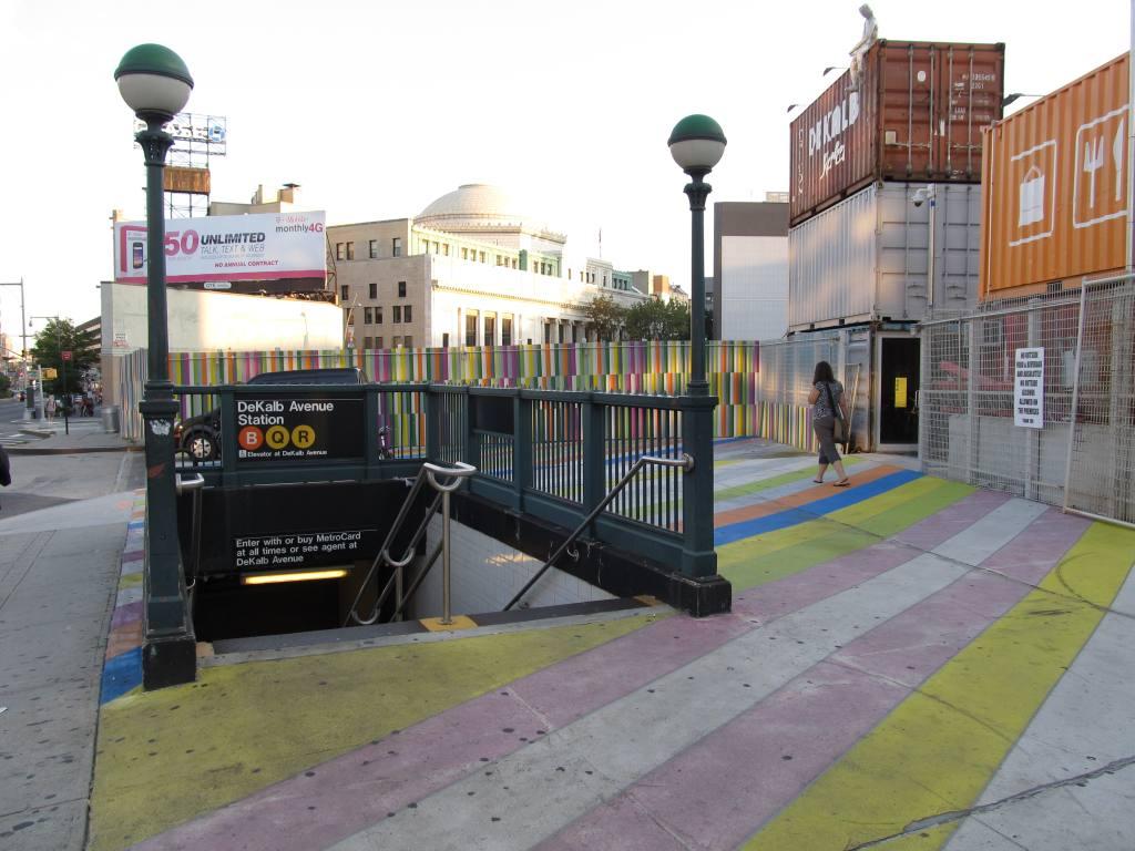 (113k, 1024x768)<br><b>Country:</b> United States<br><b>City:</b> New York<br><b>System:</b> New York City Transit<br><b>Location:</b> DeKalb Avenue<br><b>Photo by:</b> Robbie Rosenfeld<br><b>Date:</b> 8/16/2012<br><b>Notes:</b> Station entrance.<br><b>Viewed (this week/total):</b> 2 / 1590