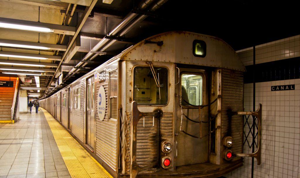 (142k, 1024x608)<br><b>Country:</b> United States<br><b>City:</b> New York<br><b>System:</b> New York City Transit<br><b>Line:</b> IND 8th Avenue Line<br><b>Location:</b> Canal Street-Holland Tunnel <br><b>Route:</b> C<br><b>Car:</b> R-32 (Budd, 1964)  3453 <br><b>Photo by:</b> Robert Fein<br><b>Date:</b> 1/27/2012<br><b>Viewed (this week/total):</b> 1 / 964