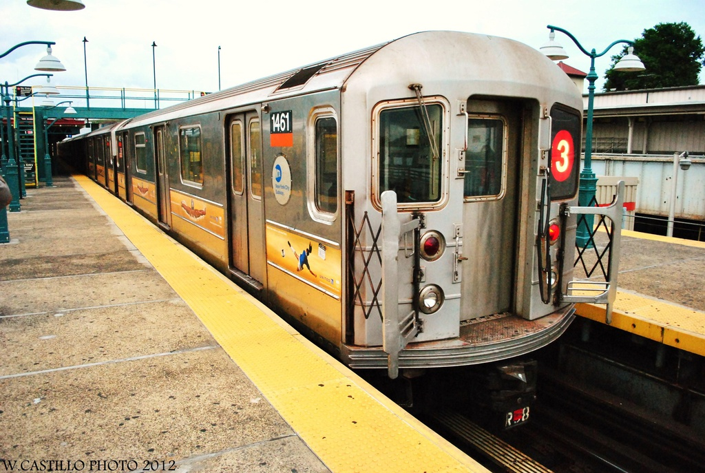 (347k, 1024x687)<br><b>Country:</b> United States<br><b>City:</b> New York<br><b>System:</b> New York City Transit<br><b>Line:</b> IRT White Plains Road Line<br><b>Location:</b> East 180th Street <br><b>Route:</b> Not in service<br><b>Car:</b> R-62 (Kawasaki, 1983-1985)  1461 <br><b>Photo by:</b> Wilfredo Castillo<br><b>Date:</b> 8/14/2012<br><b>Viewed (this week/total):</b> 0 / 1216