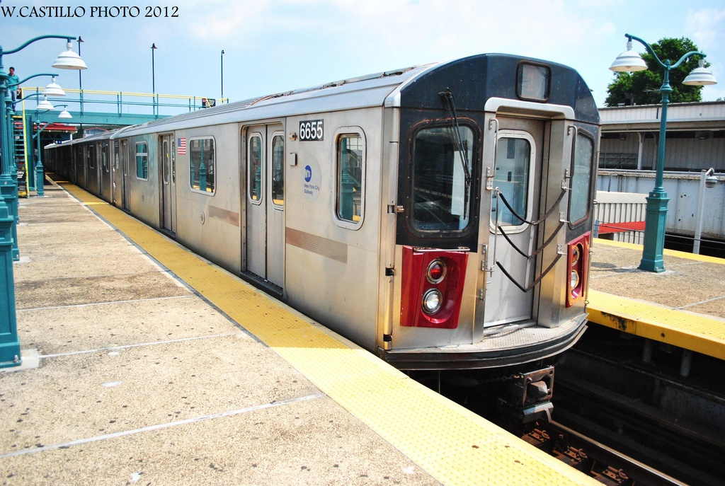 (341k, 1024x687)<br><b>Country:</b> United States<br><b>City:</b> New York<br><b>System:</b> New York City Transit<br><b>Line:</b> IRT White Plains Road Line<br><b>Location:</b> East 180th Street <br><b>Route:</b> 2<br><b>Car:</b> R-142 (Primary Order, Bombardier, 1999-2002)  6655 <br><b>Photo by:</b> Wilfredo Castillo<br><b>Date:</b> 8/9/2012<br><b>Viewed (this week/total):</b> 2 / 830