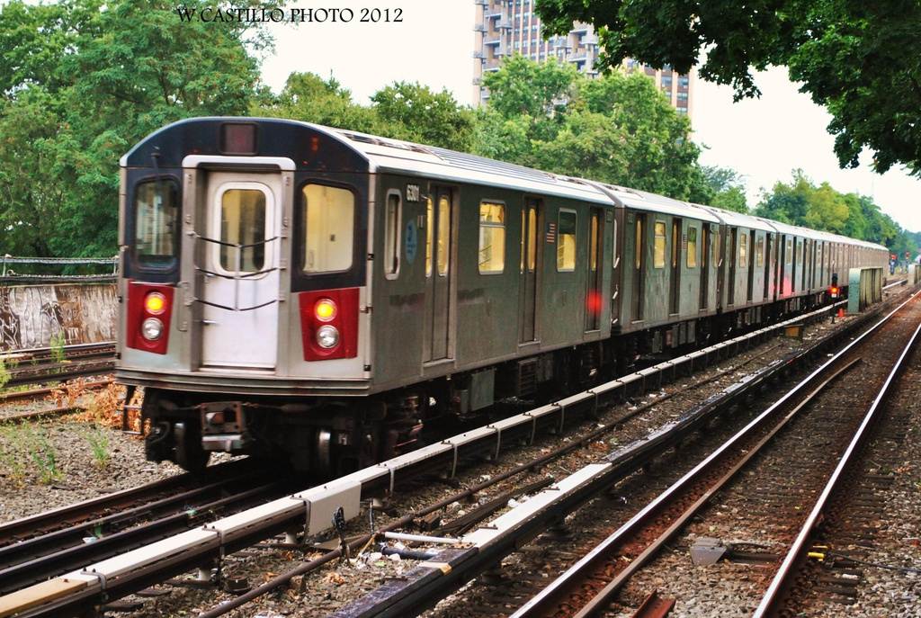 (408k, 1024x687)<br><b>Country:</b> United States<br><b>City:</b> New York<br><b>System:</b> New York City Transit<br><b>Line:</b> IRT Dyre Ave. Line<br><b>Location:</b> Morris Park <br><b>Route:</b> Not in service<br><b>Car:</b> R-142 (Primary Order, Bombardier, 1999-2002)  6301 <br><b>Photo by:</b> Wilfredo Castillo<br><b>Date:</b> 8/14/2012<br><b>Viewed (this week/total):</b> 0 / 1659