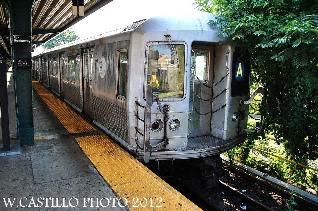 (394k, 1024x682)<br><b>Country:</b> United States<br><b>City:</b> New York<br><b>System:</b> New York City Transit<br><b>Line:</b> IND Rockaway<br><b>Location:</b> Mott Avenue/Far Rockaway <br><b>Route:</b> A<br><b>Car:</b> R-42 (St. Louis, 1969-1970)  4828 <br><b>Photo by:</b> Wilfredo Castillo<br><b>Date:</b> 7/26/2012<br><b>Viewed (this week/total):</b> 0 / 731