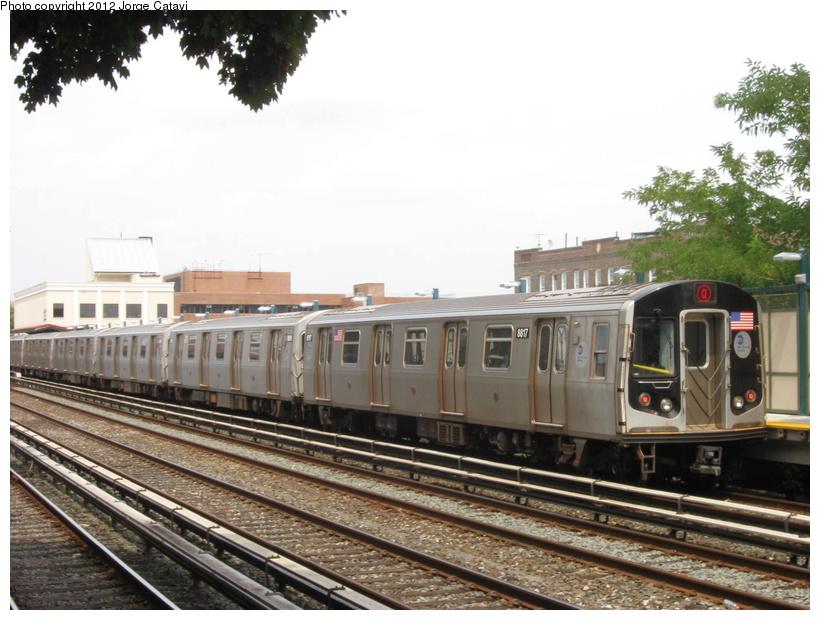 (203k, 820x620)<br><b>Country:</b> United States<br><b>City:</b> New York<br><b>System:</b> New York City Transit<br><b>Line:</b> BMT Brighton Line<br><b>Location:</b> Avenue M <br><b>Route:</b> Q<br><b>Car:</b> R-160B (Kawasaki, 2005-2008)  8817 <br><b>Photo by:</b> Jorge Catayi<br><b>Date:</b> 8/8/2012<br><b>Viewed (this week/total):</b> 0 / 817