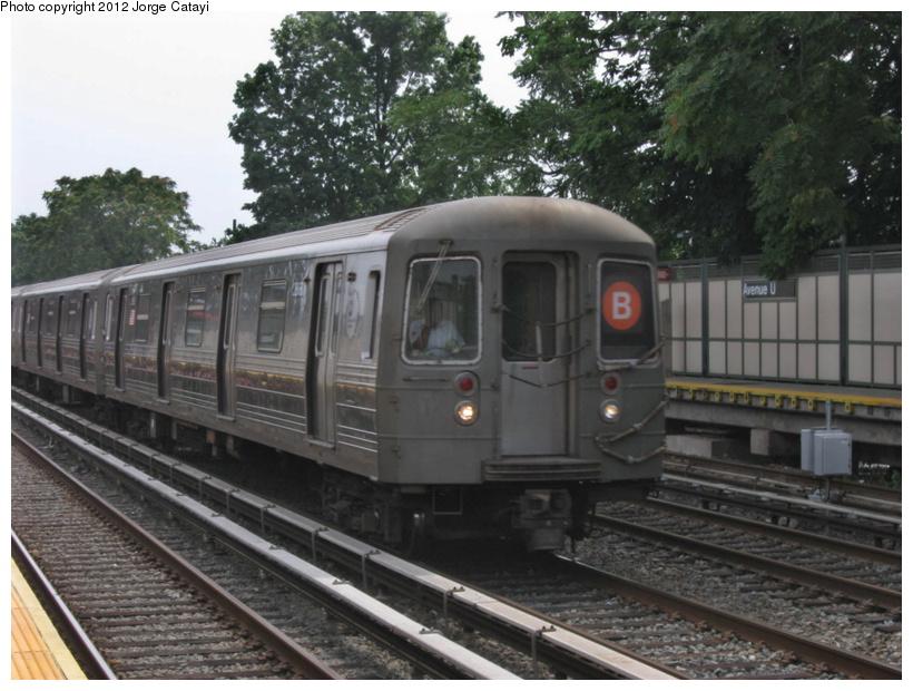 (203k, 820x620)<br><b>Country:</b> United States<br><b>City:</b> New York<br><b>System:</b> New York City Transit<br><b>Line:</b> BMT Brighton Line<br><b>Location:</b> Avenue U <br><b>Route:</b> B<br><b>Car:</b> R-68 (Westinghouse-Amrail, 1986-1988)  2858 <br><b>Photo by:</b> Jorge Catayi<br><b>Date:</b> 8/8/2012<br><b>Viewed (this week/total):</b> 0 / 903